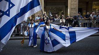 Erőszakba torkollt a Jeruzsálem óvárosába tartó izraeli zászlós felvonulás