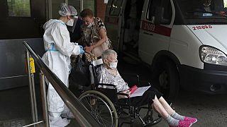В России растет число больных ковидом.