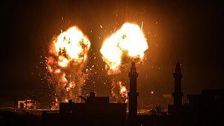 İsrail'in Gazze'ye yaptığı füze saldırısından bir kare.