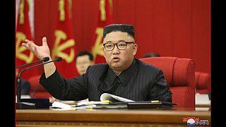 Ким Чен Ын на пленарном заседании Трудовой партии