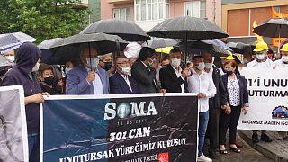 Soma'da yaşanan maden kazası için adalet arayanların protestosu