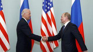 Première poignée de main entre Joe Biden et Vladimir Poutine