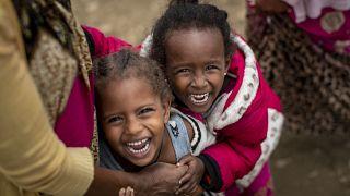 """تسعى """"كامفيد"""" جاهداً لتعليم الفتيات والنساء في إفريقيا جنوب الصحراء"""
