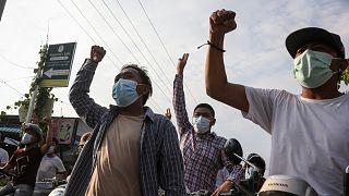 0Mianmarban rendszeresek a tüntetések azóta, hogy a hadsereg február első napján átvette a hatalmat