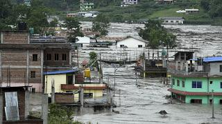 Les rues de Sindhupalchowk inondées