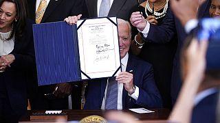 ABD Başkanı Joe Biden 19 Temmuz'u resmi tatil ilan eden kararnamesy imzaladı