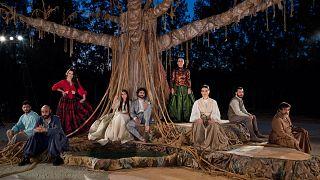 """""""Εσμέ"""" του Σπύρου Περεσιάδη, σε σκηνοθεσία Μαρίνας Βρόντη"""