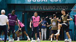 Les Bleus à Budapest : joueurs et supporteurs s'attendent à une ambiance hostile