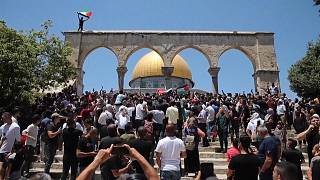Palestinians clash with Israel police at Jerusalem holy site