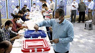 Ein Wahllokal in Teheran