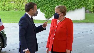 Merkel pide cautela en el fútbol por la pandemia