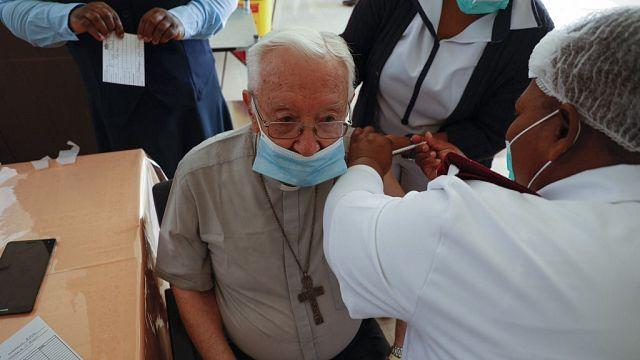 Afrique du Sud : l'armée déployée pour la vaccination contre la Covid-19