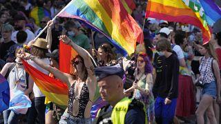 2020 fiel der Protest aus. Jetzt demonstrierten in Warschau wieder Tausende.