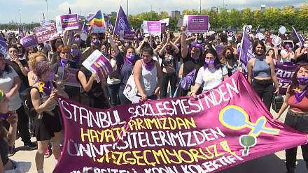 Women from across Turkey hold Istanbul rally to defend rights