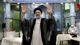 La légitimité contestée d'Ebrahim Raïssi, le nouveau président iranien