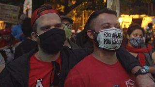 Бразильцы снова протестуют против президента Болсонару