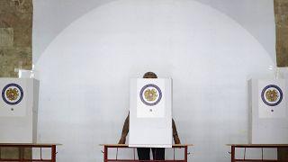 В Армении открылись избирательные участки