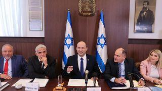 رئيس الوزراء الإسرائيلي نتفالي بينيت في مستهل جلسة الحكومة الأسبوعية. 20/06/2021