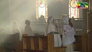 """""""Paix sur l'Ethiopie"""": à deux jours des élections, une fête orthodoxe réunit des milliers de fidèles"""