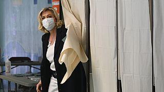 Le Pen'in partisi Ulusal Cephe, 2015'teki yerel seçimlerde Fransa genelinde en çok oyu almıştı.