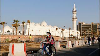 السعودية نيوز |      السعودية ماضية في تغيير صورتها وقرار قصر استخدام مكبرات الصوت في المساجد يثير الجدل