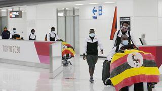 Atleta olímpico do Uganda testa positivo à Covid-19 no Japão