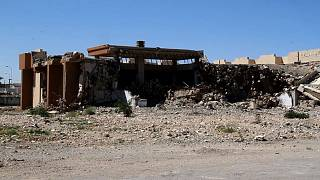 جزء مدمر من مقر القذافي