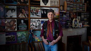 Robert Lacire mit ein paar seiner Platten