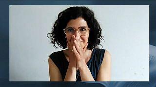 Die freudige Preisträgerin Nava Ebrahimi