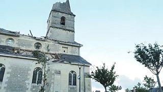 A pusztítás nyomai Saint-Nicolas de Bourgueilben
