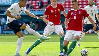 Kylian Mbappé lő a Magyarország - Franciaország mérkőzésen