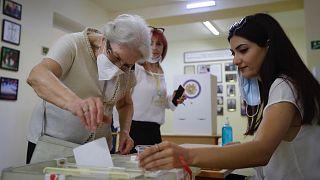 Ermenistan'da erken seçimler