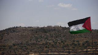 بؤرة استيطانية إسرائيلية أقيمت على قمة تل في قرية بيتا الفلسطينية جنوب نابلس.  2021/06/14