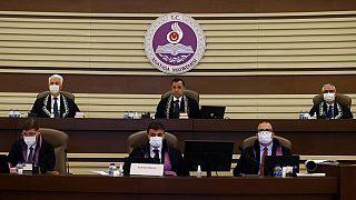 Das türkische Verfassungsgericht hat einen Verbotsantrag gegen die prokurdische Oppositionspartei HDP angenommen.