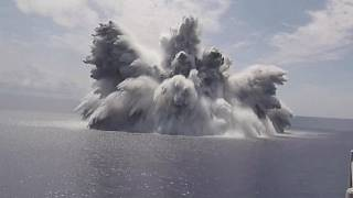 شاهد: متفجرات وذخيرة حية لاختبار أحدث حاملة طائرات في البحرية الأمريكية