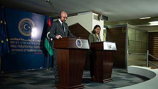 وزيرة الخارجية الليبية نجلاء المنقوش ورئيس المجلس الأوروبي شارل ميشال، أثناء مؤتمر صحفي مشترك بطرابلس 4 نيسان/أبريل 2021