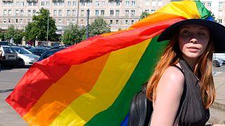 Hongrie : manifestations contre une loi homophobe