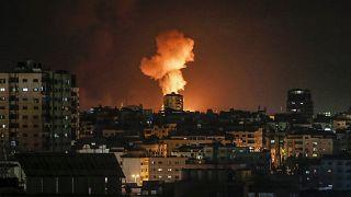 صورة لغارة سرائيلية على مدينة غزة