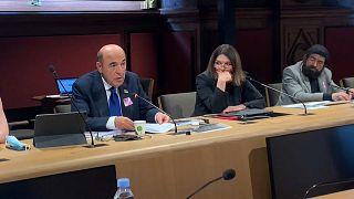 Le député ukrainien Vadim Rabinovitch, la sénatrice française Nathalie Goulet et l'écrivain français Marek Halter au Sénat, à Paris le 21 juin 2021