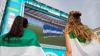 نمایش بازیهای یورو ۲۰۲۰ در میدان دل پوپولو شهر رم