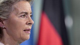 Ursula von der Leyen a homoszexualitás megjelenítését tiltó magyar törvényről: ez szégyen