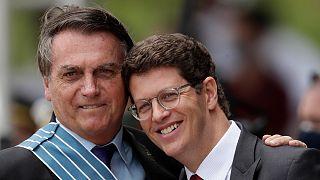 Le dimissioni di Ricardo Salles, controverso ministro dell'ambiente in Brasile