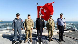 Milli Savunma Bakanı Hulusi Akar, Genelkurmay Başkanı Orgeneral Yaşar Güler, Kara Kuvvetleri Komutanı Orgeneral Ümit Dündar, Deniz Kuvvetleri Komutanı Oramiral Adnan Özbal