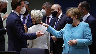 """Σύνοδος Κορυφής: Ανησυχία για την εξάπλωση της παραλλαγής """"Δέλτα"""" από τη Μέρκελ"""