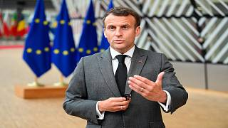 الرئيس الفرنسي يتحدث إلى وسائل الإعلام لدى وصوله إلى المجلس الأوروبي للمشاركة في القمة الأوروبية 24 حزيران/يونيو 2021