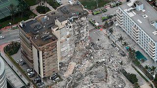 حادثه ریزش ساختمان مسکونی ۱۲ طبقه در ایالت فلوریدای آمریکا