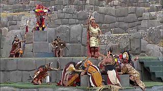 Celebración del Inti Raymi o Fiesta del Sol en el complejo arqueológico de Sacsayhuamán (Perú)