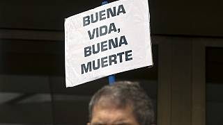 Το άτομο, Ισπανός ή κάτοικος Ισπανίας, πρέπει να «έχει πλήρη συνείδηση» όταν λαμβάνει την απόφαση να πεθάνει.