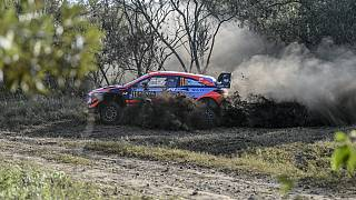 Neuville leads the Safari Rally Kenya as Evans and Sordo crash out