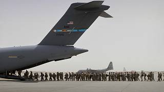 Afganistan'daki görev süreleri dolan ABD'li askerler başkent Kabil yakınlarındaki Bagram Hava Üssü'nü kullanarak ülkeden ayrılırken